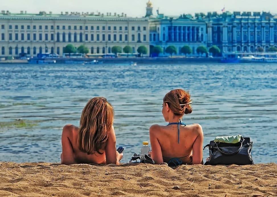 С 1 июня в Петербурге откроется пляжный сезон