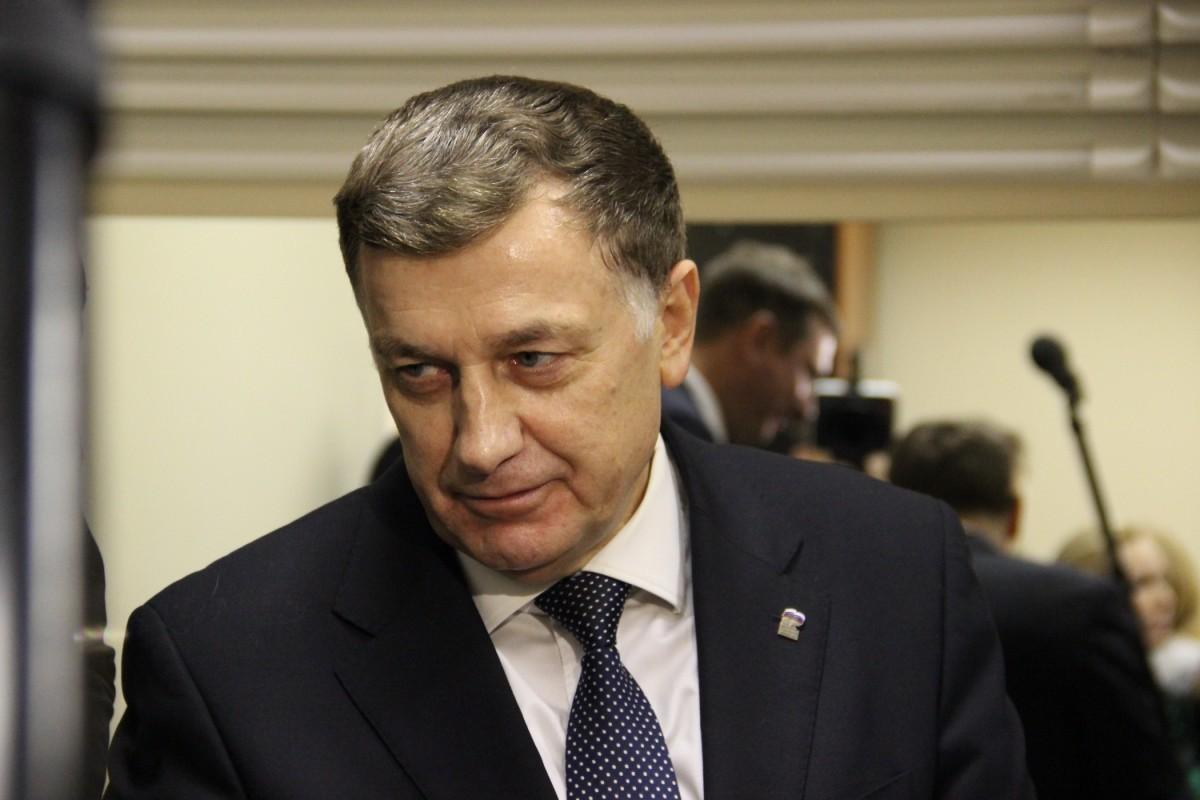 Макаров не хочет покидать пост председателя питерского парламента по очевидным причинам