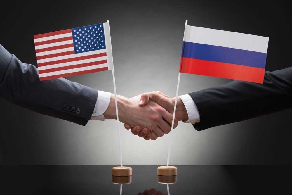 Байден пригрозил России расправой за несуществующее вмешательства